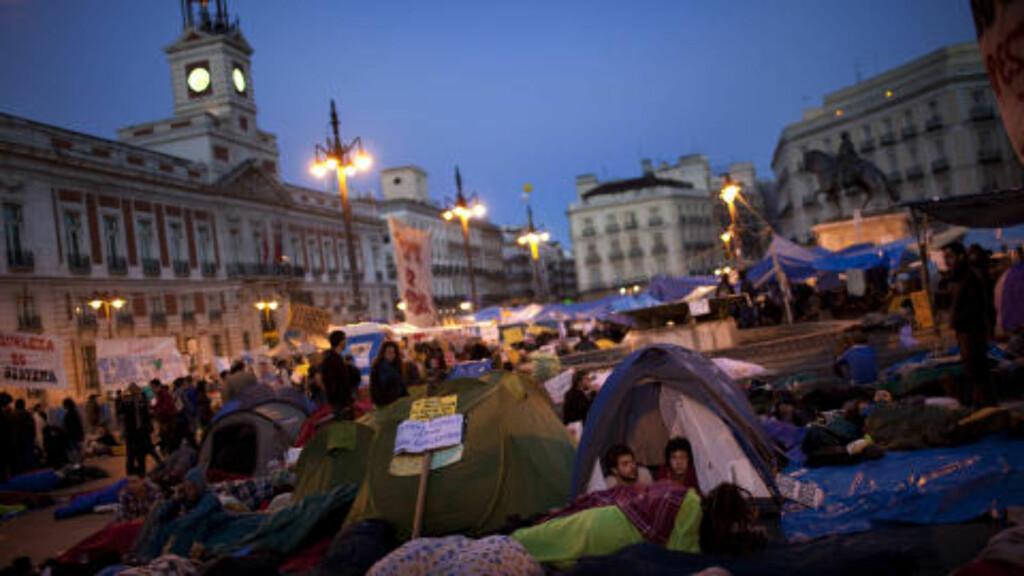 KREVER BEDRE FRAMTID:  I mai 2011 demonstrerte tusenvis av unge spanjoler for en bedre framtid. Siden den gang har antall arbeidsledige blant landets unge bare blitt flere. Foto: Emilio Morenatti / Ap / Scanpix