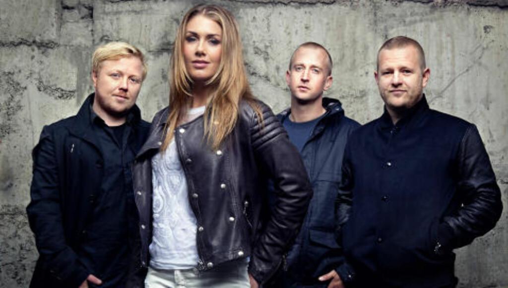 IDOL-DOMMER: Kurt sammen med Tone Damli, Gunnar Greve og Esben Selvig. Foto: TV 2