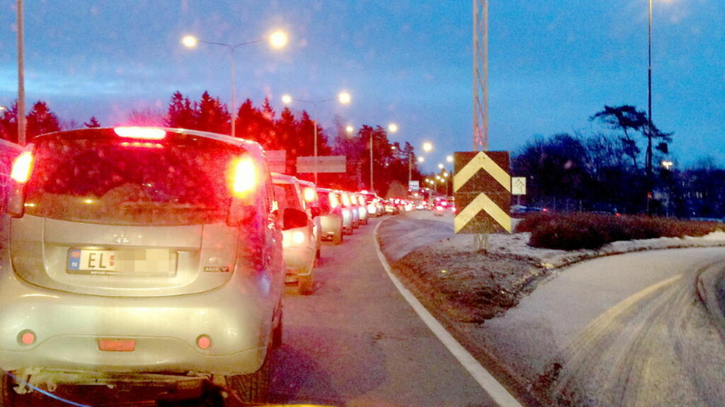 FRAMTIDIG KØ? «Dersom Ramnefjell får rett, og elbiler blir stående i kø i 2013, er det svært godt nytt», skriver artikkelforfatteren.