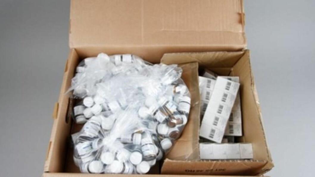 <strong>BER PRODUSENTENE TA ANSVAR:</strong> - Her er det viktig at produsentene tar en ansvar og finner ut hvordan disse pillene ender opp på det illegale markedet, sier Eivind Borge fra Kripos. Foto: POLITIET