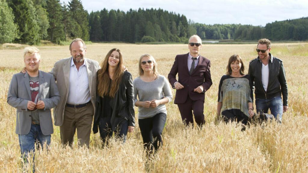 FRAMTIDA: Når kjente og kjære artister samles i landlige omgivelser, får man overraskende nok en fremtidsrettet oppskrift på å tjene penger på musikk, skriver Asbjørn Slettemark. Foto: TV 2