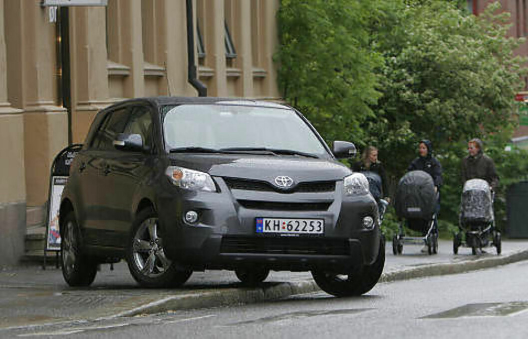 TOYOTA URBAN CRUISER: Lavt forbruk og fin dieselmotor, passer best til by- og nærkjøring. Terningkast fire.