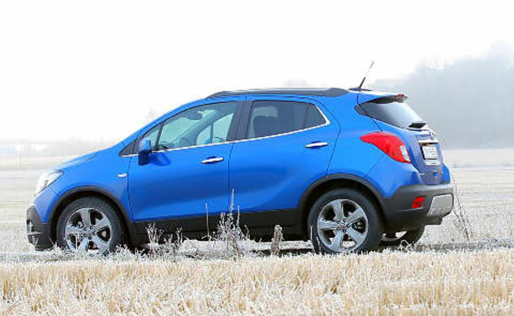 OPEL MOKKA: En liten og enkel SUV med kraftige motorer. Terningkast fire.