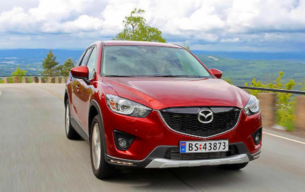 MAZDA CX-5: Den beste kompakt-SUV-en: Bra priser, gode egenskaper, fin plass og sikkerhet. Terningkast seks.