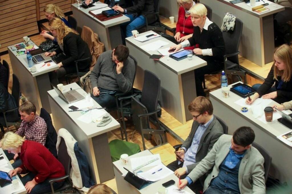 IKKE AKKURAT OPPHETET: Slik så det ut under kommunestyremøtet i Tromsø i går. Foto: Lina Livsdatter/Nordlys