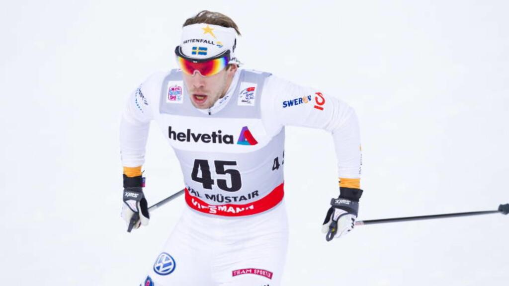 SYNDEREN: Emil Jönsson brakk staven til Øystein Pettersen ved et uhell. Foto: Vegard Grøtt / NTB scanpix