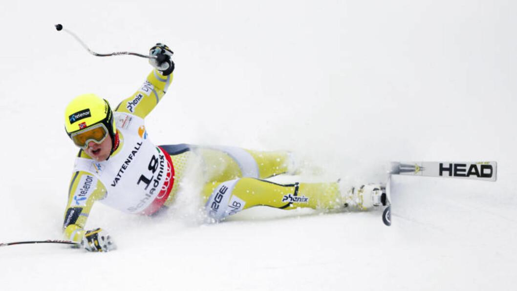 <strong>FALLET:</strong> Kjetil Jansrud skyldte på seg selv etter fallet som ødela VM. Foto: REUTERS/Dominic Ebenbichler/NTB scanpix