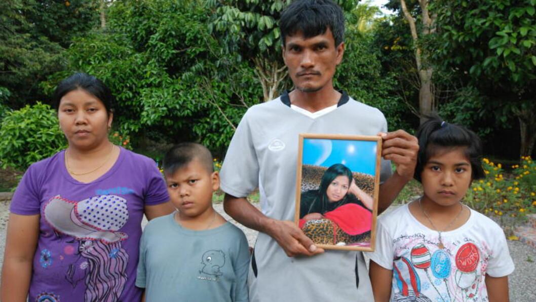 <strong>TILBUDT MILLIONER:</strong> Avdøde Rungnapa «June» Ratchasombuts familie er tilbudt til sammen 9,3 millioner baht (1,7 millioner kroner) for å frafalle saken mot Dokset. Her Junes storebror Nirut Rittikul (36) med sin familie. Foto: RALF LOFSTAD / DAGBLADET