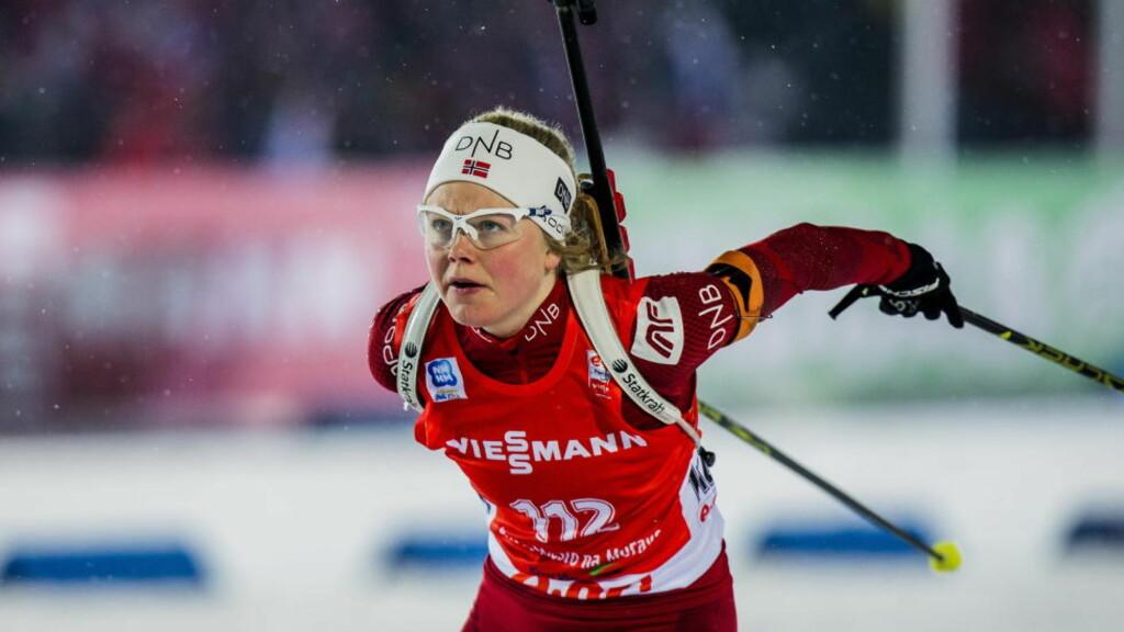 TIDENES YNGSTE: 19 år gamle Hilde Fenne blir fredag yngste kvinne som har gått VM-stafett i skiskyting for Norge. Foto: STIAN LYSBERG SOLUM / NTB SCANPIX.