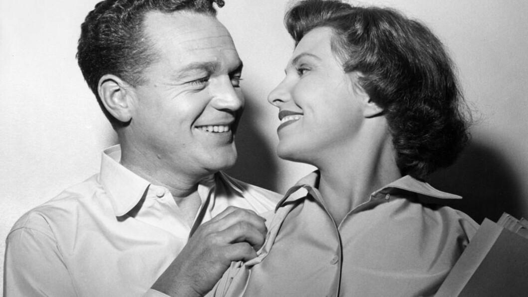 <strong>EVA BERGH:</strong> Her sammen med Rolf Kirkevaag. Bildet er tatt i 1955 i anledning en filminnspilling. FOTO: AAGE STORLØKKEN / AKTUELL