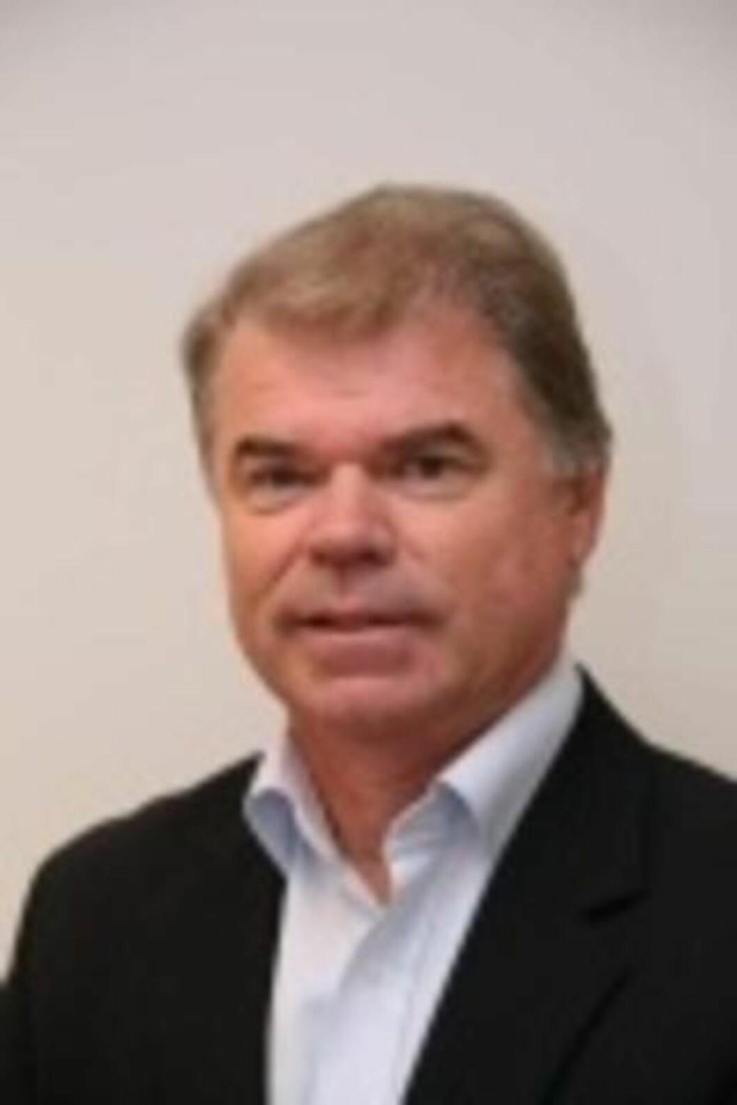 <strong> - HAN FØLER VELDIG SKYLD:</strong>  Kjell Knarbakk er daglig leder i Lavprisekspressen. Foto: Unibuss.