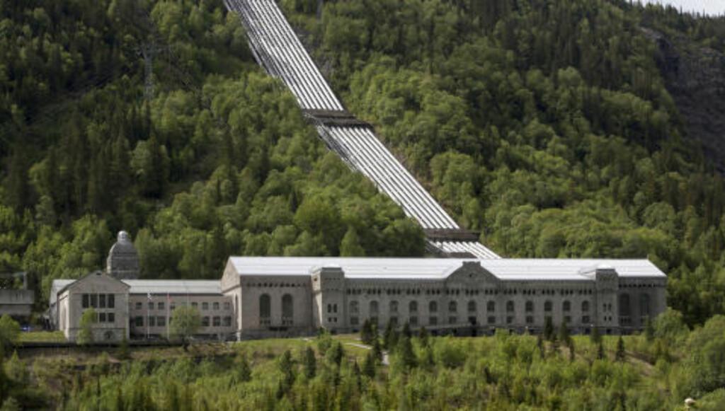 BLE SPRENGT: Deler av Vemork kraftstasjon ble sprengt av sabotørene i gruppen Gunnerside, under ledelse av Joachim Rønneberg, for å få stoppet produksjonen av tungtvann under den 2. Verdenskrig. Foto: Per Flåthe