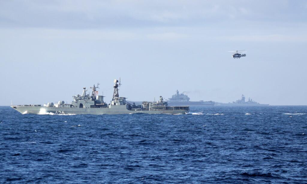 18 ÅR PÅ VERKSTED: Ubåtjageren «Viseadmiral Kulakov» har stått 18 år på verksted. Her på vei sørover langs norskekysten i forrige uke. Foto: Forsvaret