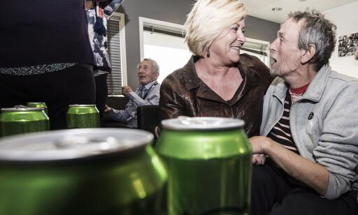 GA UT KLEMMER: Siv Jensen delte med glede ut klemmer da hun besøkte rusavdelinga. Alle foto: Hans Arne Vedlog / Dagbladet