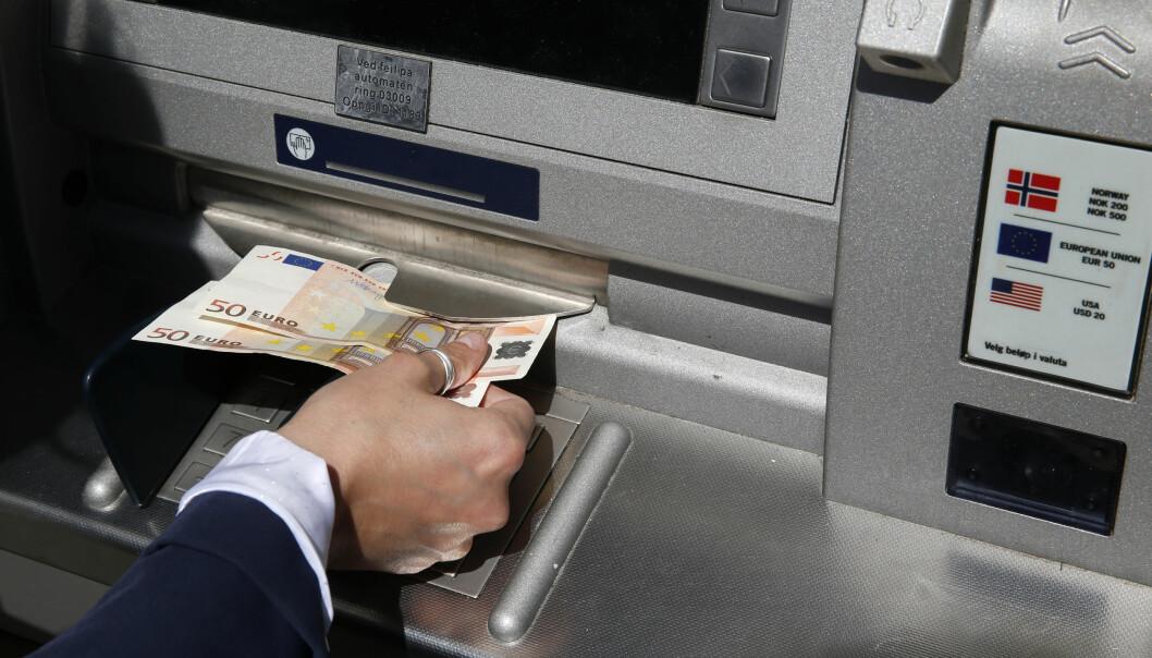 <strong>BLIR LURT:</strong> Forbrukerrådet hevder at nordmenn blir lurt til å velge en dårlig valutakurs i utlandet. Det vil de ha slutt på. Foto: Vidar Ruud/NTB Scanpix