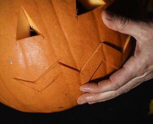image: Slik skjærer du ut ditt eget gresskar til halloween