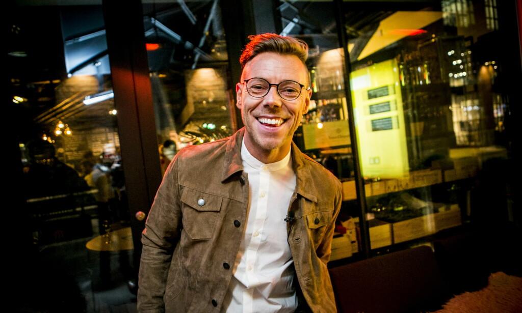 STÅR FRAM: Espen Hilton er en av landets mest profilerte bloggere. I sin nye bok skriver han om tida da han var syk. Nå ønsker han å inspirere andre. Her fra lanseringa av boka «Selfie». Foto: Christian Roth Christensen / Dagbladet