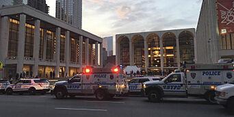 image: Opera i New York ble stoppet da asken fra et menneske ble drysset ned i orkestergraven