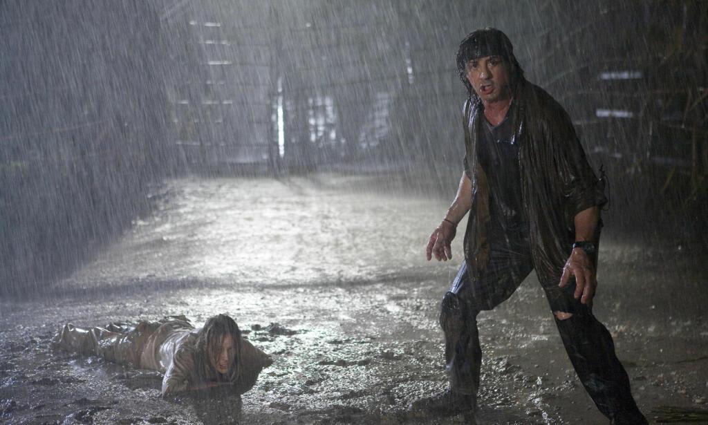 INNE I VARMEN: I 2008 kom den siste filmen der Sylvester Stallone spilte Rambo. Nå er det slutt. Foto: Filmweb