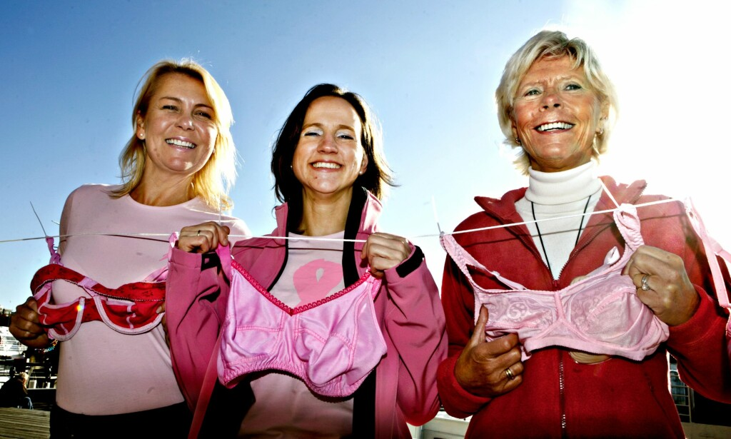 Fra v.: Jannike Moe, senterleder for Aker Brygge Shoppingsenter, Marit Sophie Egge, aksjonsleder i Kreftforeningen og Lise Høie, leder for Støtteforeningen for brystkreftopererte.
