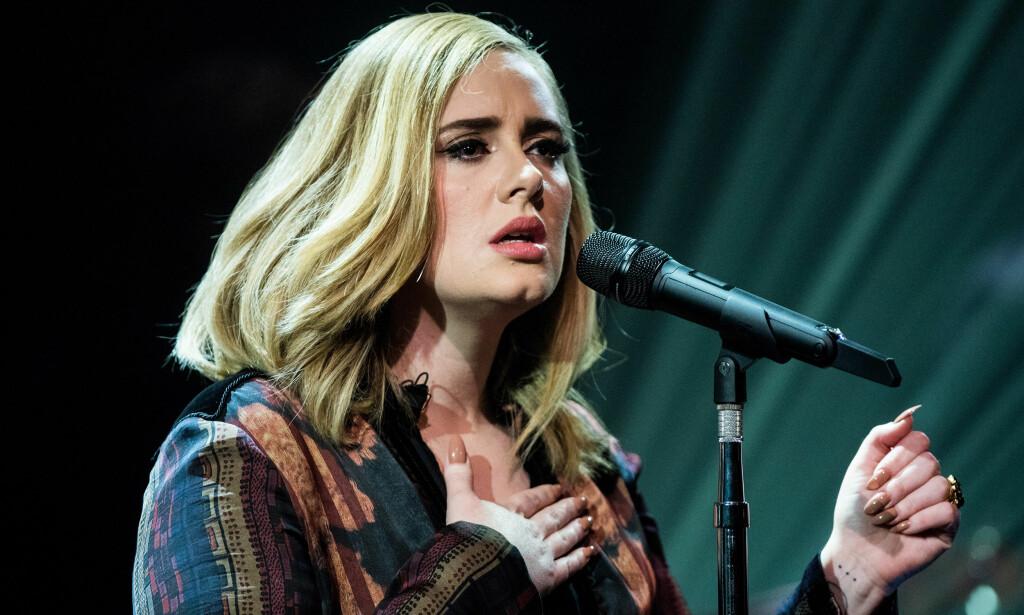 ÅPNER OPP: Sangstjerna Adele forteller for første gang hvordan hun ble rammet av depresjon i forbindelse med at hun fødte sønnen. Foto: NTB scanpix