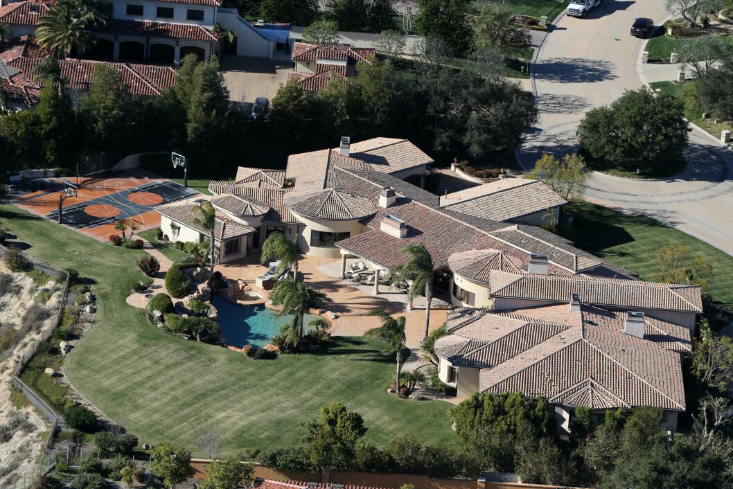 STRIDENS KJERNE: Mariah flyttet inn i dette luksushjemmet i Calabasas-området i Los Angeles sammen med James Packer, etter at de ble kjærester. Foto: Splash News