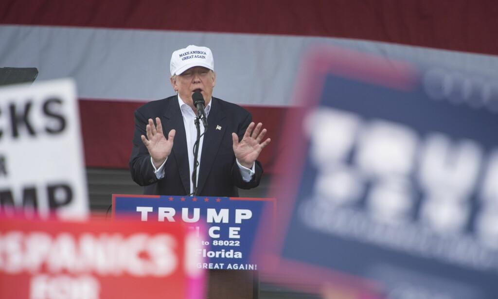 <div><br></div><div>KAMPANJEMODUS: Donald Trump sa til velgerne sine at de ikke kan lene seg på meningsmålingene under et velgerarrangement i Bayfront Park amfiteater i Miami sentrum. Foto: Øistein Norum Monsen / Dagbladet</div>