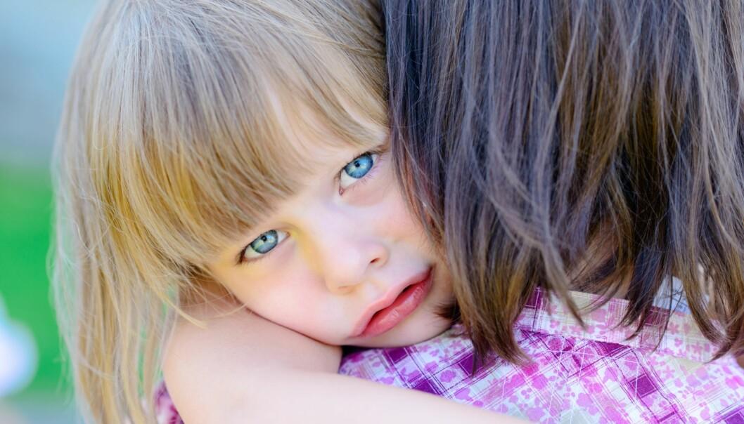 TVANGSLIDELSER HOS BARN: Da datteren var fire år gammel, la Anne merke til de første tegnene på tvangslidelsen. Foto: NTB Scanpix, illustrasjonsfoto, personene på bildet har ingenting med historien å gjøre.