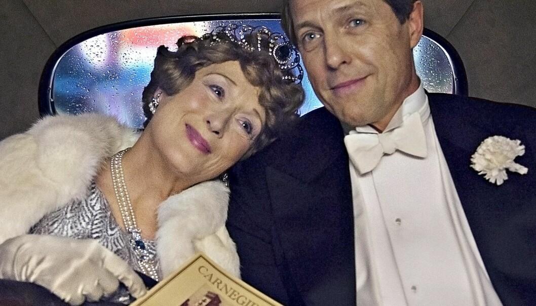 <strong>ØMHET OG BEDRAG:</strong> Meryl Streep og Hugh Grant spiller ektepar som holder mye skjult for hverandre.