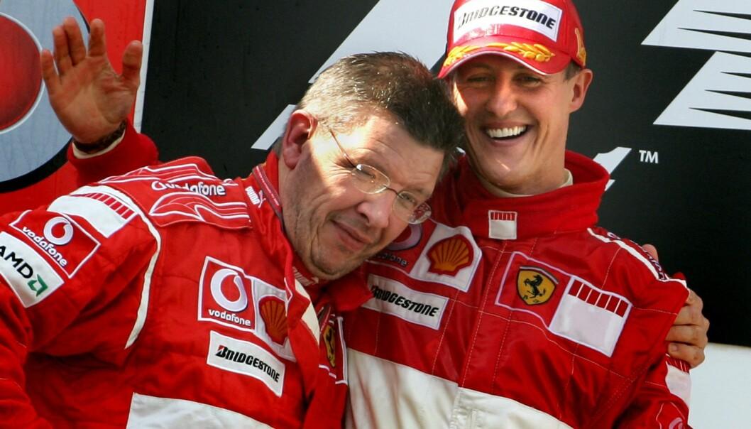 <strong>VENNER:</strong> Michael Schumacher og Ross Brawn i Ferrari fra 2006. Foto: &nbsp; &nbsp;REUTERS/Christian Charisius
