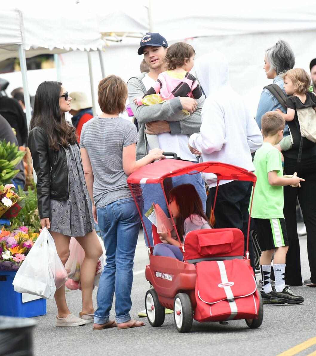 LEVER DET GODE FAMILIELIV: Ashton Kutcher og Mila Kunis lever det gode liv med datteren Wyatt. Nå venter de tvillinger. Foto: wenn.com