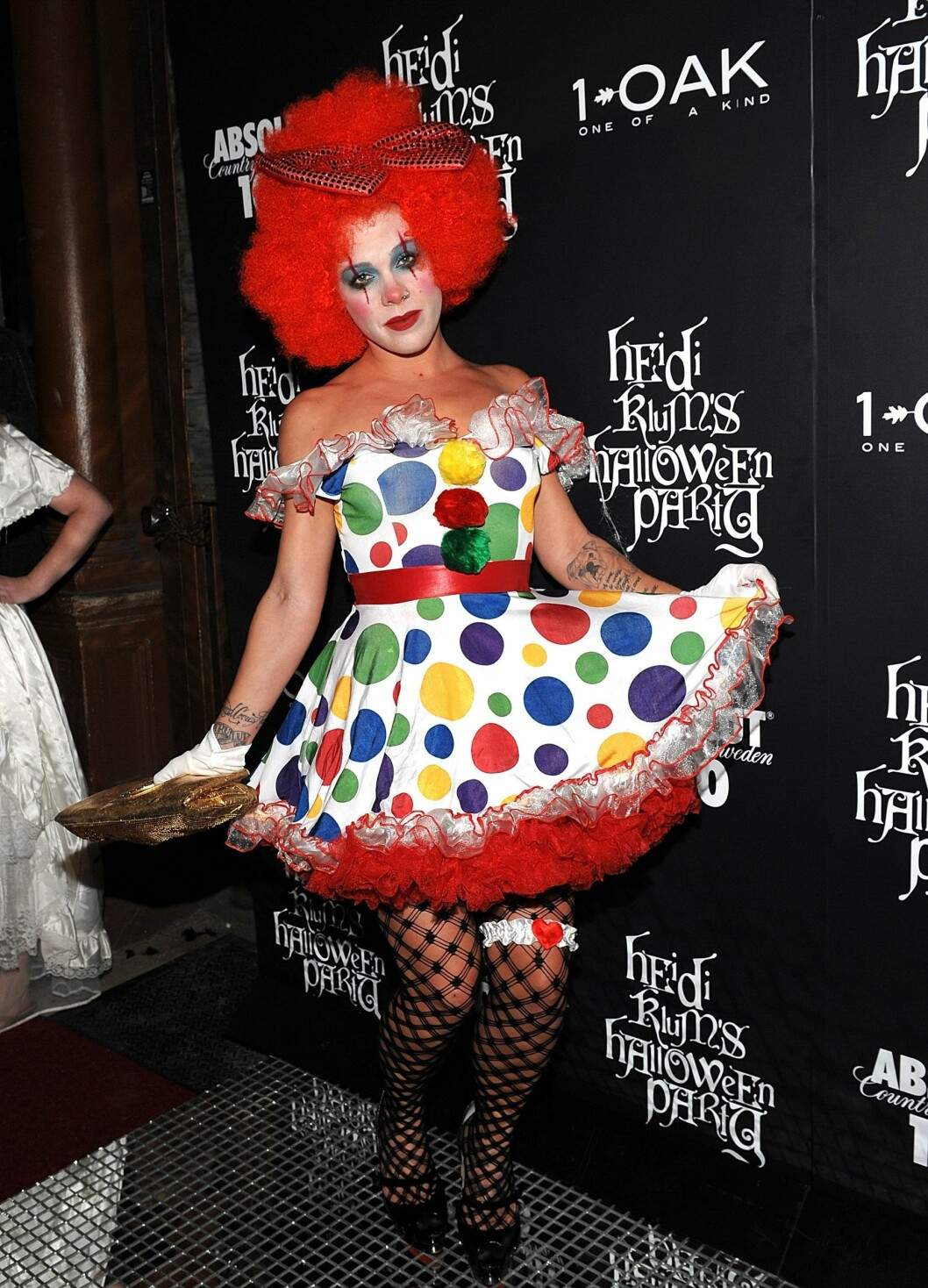 HEIDIS FEST: Popstjernen Pink på en av Heidi Klums årlige Halloween-fester. Foto: AP