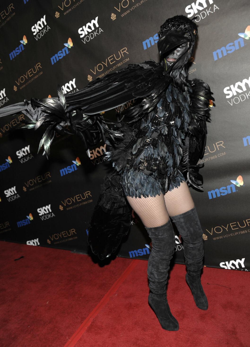 FJÆR: En ugjenkjennelig Heidi Klum på Halloween-fest i 2009. Foto: AP