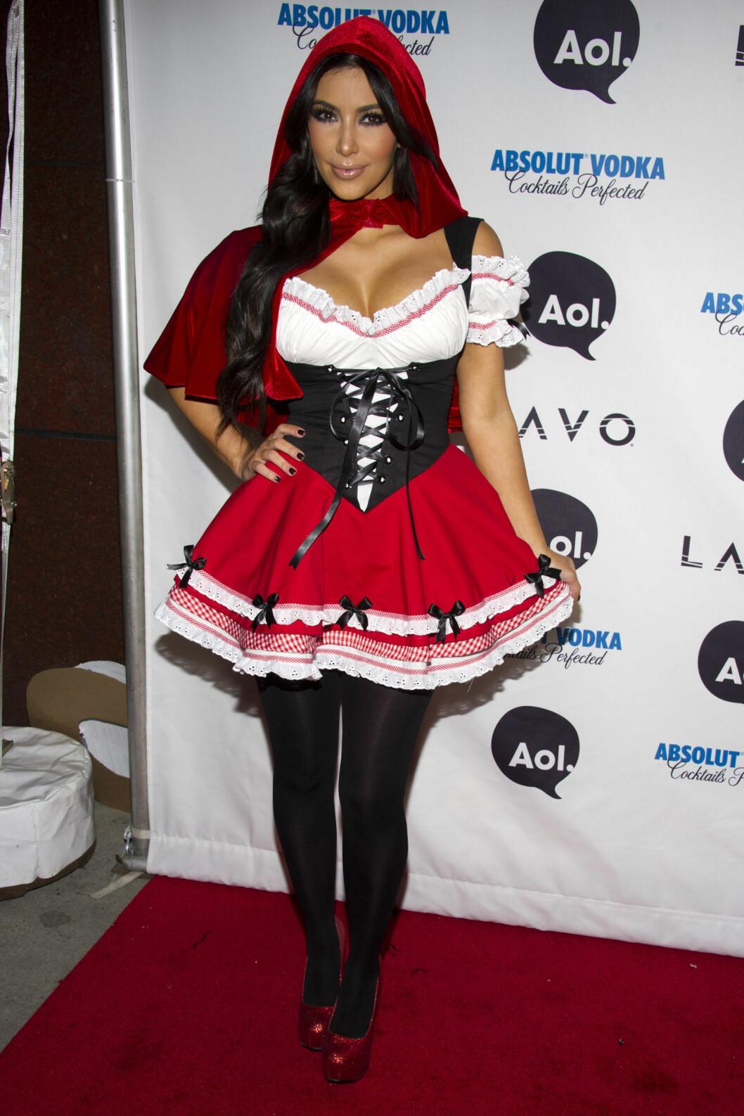 SØT: Kim Kardashian velger ofte søte kostymer. Her utkledd som lille rødhette i 2010. Foto: Ap