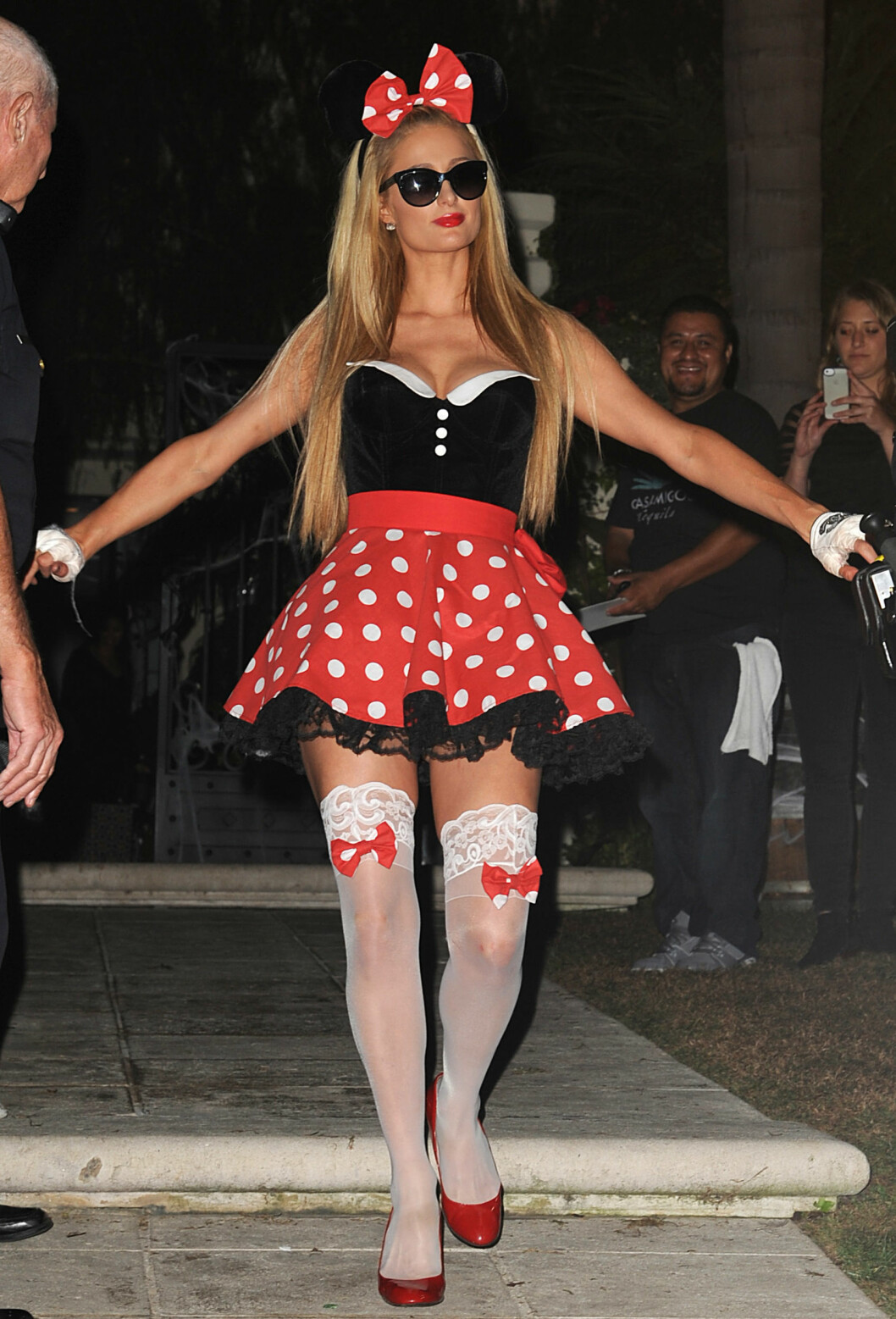 MINNI: Paris Hilton i søtt Minni mus-kostyme. Foto: Broadimage
