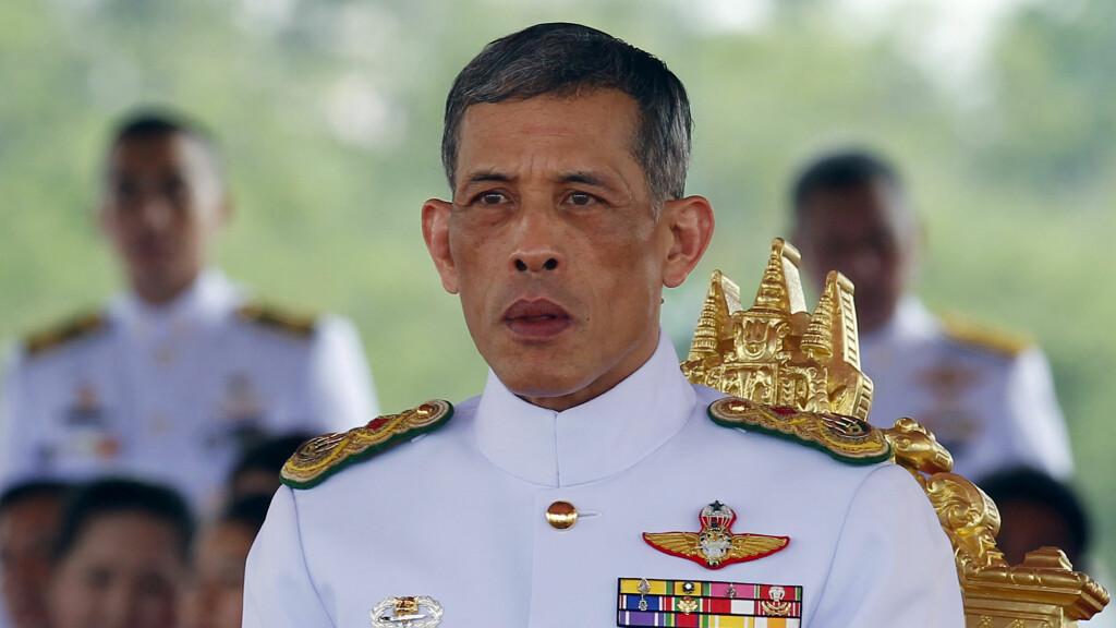 IKKE GODT LIKT: Det er Thailands kronprins, Maha Vajiralongkorn (64), som overtar tronen etter sin far. Det er ikke alle like fornøyd med. Foto: NTB Scanpix