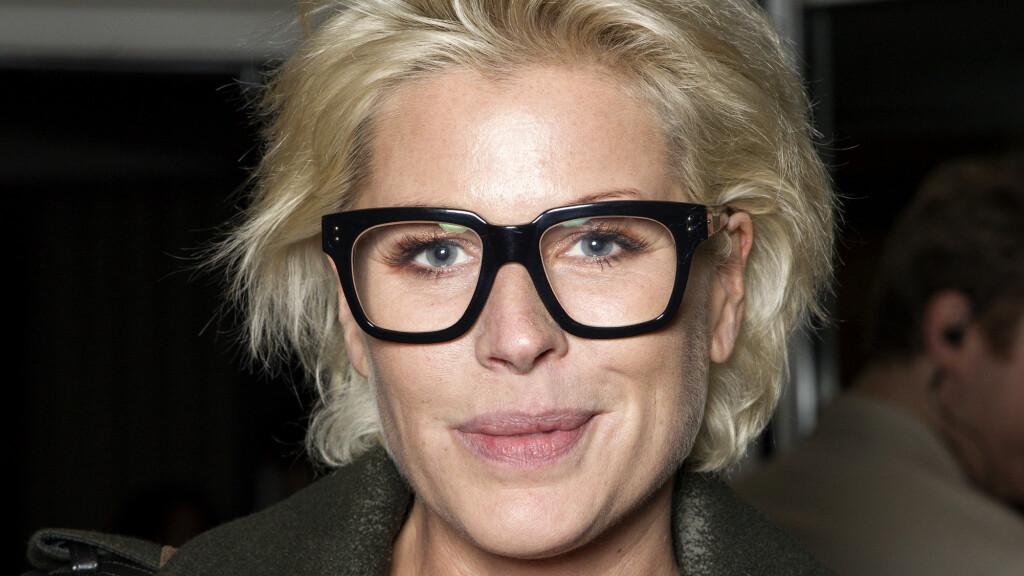 NY HVERDAG: Anne-Kat. forteller om hverdagen med øyesykdommen i nyeste nummer av Se og Hør. Foto: Aller Media NO