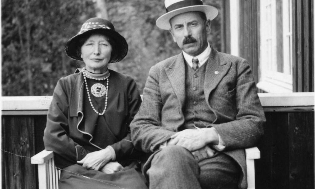 Ekteskap 2:  I 1909 giftet Hanna seg med en kollega fra Svalbard-ekspedisjonene, geologen Gunnar Holmsen. Foto: Nasjonalbiblioteket