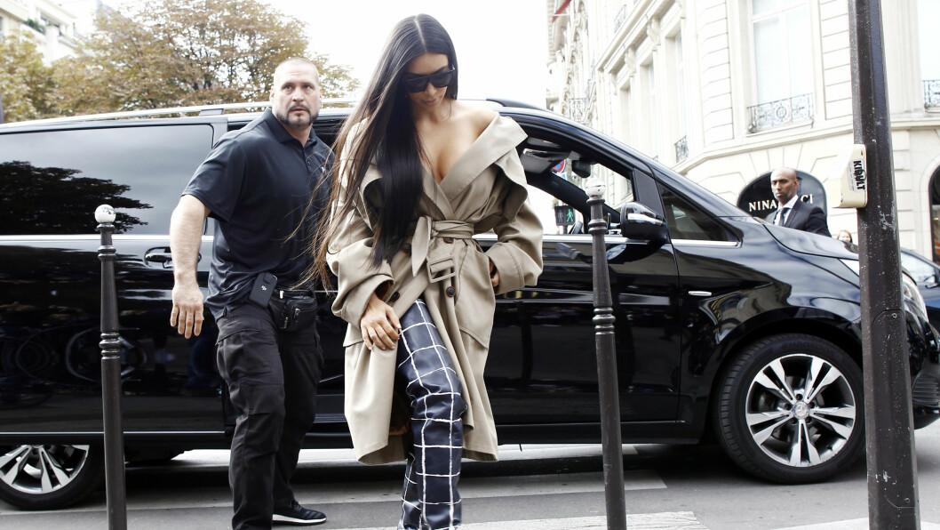 SPARKEN: Kim Kardashian skal etter hva kilder sier ha sparket livvakten Pascal Duvier.  Foto: SipaUSA