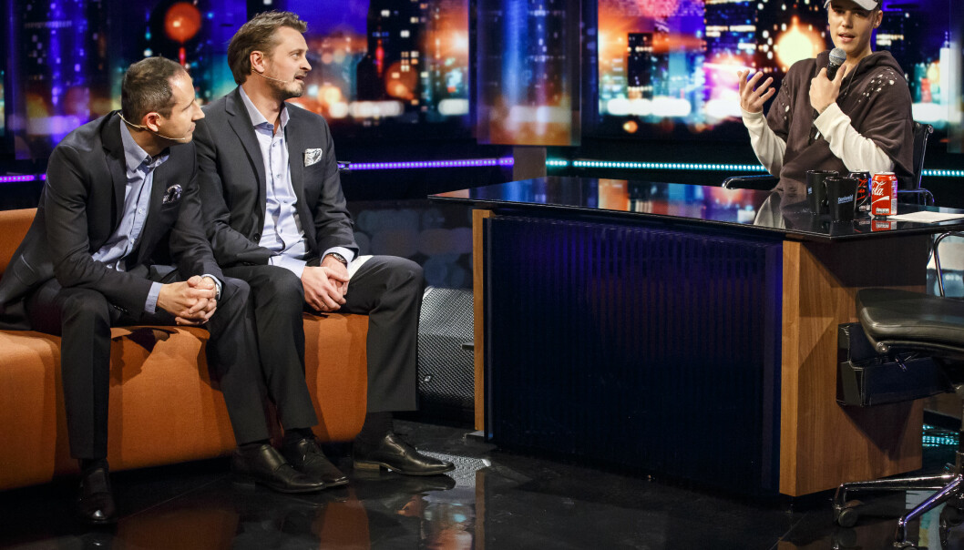 <strong>SÅRT:</strong> Thomas Numme og Harald Rønneberg (ytterst t.v.) synes det fremdeles gjør vondt å snakke om da Justin Bieber gjestet «Senkveld», og kuppet hele intervjuet. Foto: Heiko Junge / NTB scanpix