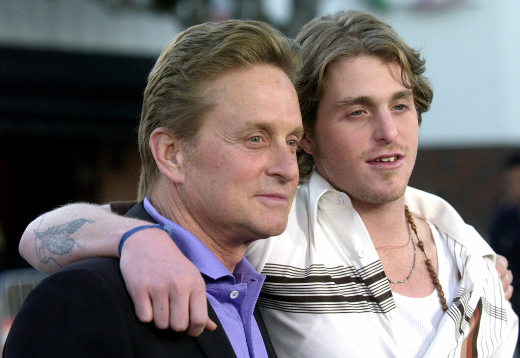 UTE: Nylig slapp Michaels sønn, Cameron, ut fra fengsel og skal nå ha fått en jobb i filmbransjen.  Foto: AP