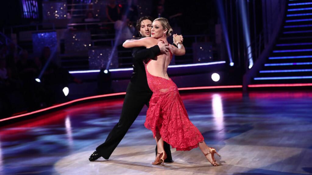 SENDT HJEM: Dommerne kommenterte Glenn Jensens store utvikling på dansegulvet, men han og dansepartner Ewa Trela ble til slutt sendt hjem fra programmet.  Foto: Thomas Reisæter/TV 2