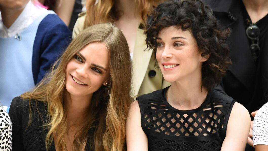 BRUDD: Romanseryktene mellom modell Cara Delevingne og St. Vincent begynte å svirre i mars 2015. Nå skal lykken ha tatt slutt. Foto: Rex Features