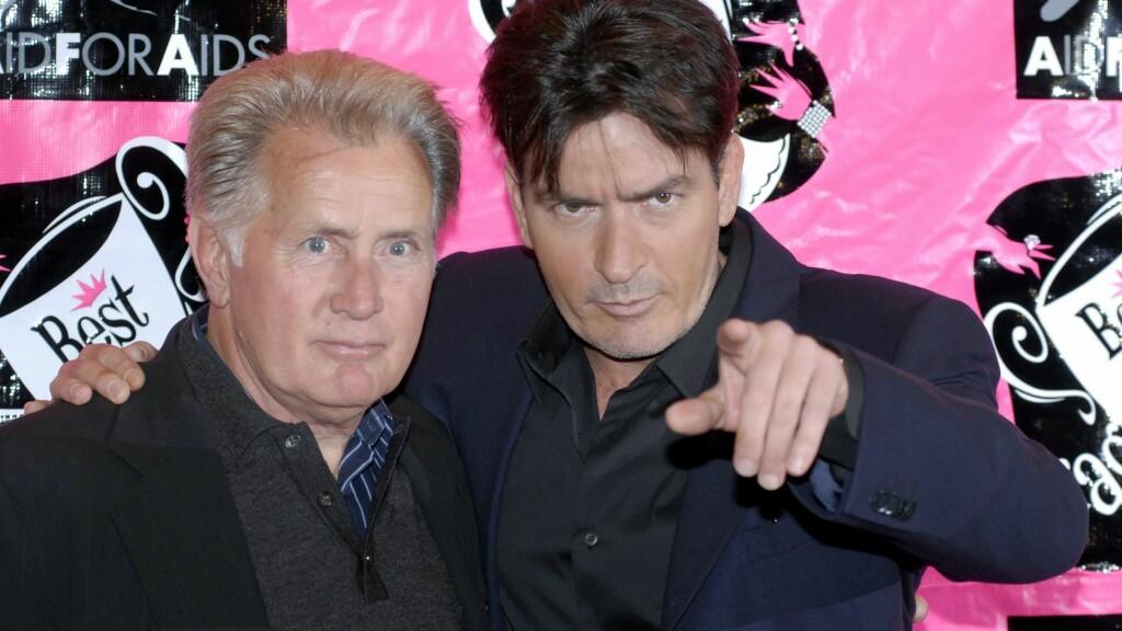 GIR CHARLIE TAK OVER HODET: Martin Sheen - som blant annet er kjent fra TV-serien «The West Wing» skal ha sagt ja til å la Charlie Sheen flytte inn hos seg. Foto: wenn.com