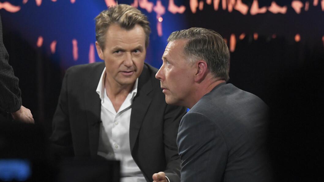 PÅ SKAVLAN: Fredrik Skavlan inviterer konas eks Mikael Persbrandt til studio i hans talkshow «Skavlan». Foto: Aftonbladet