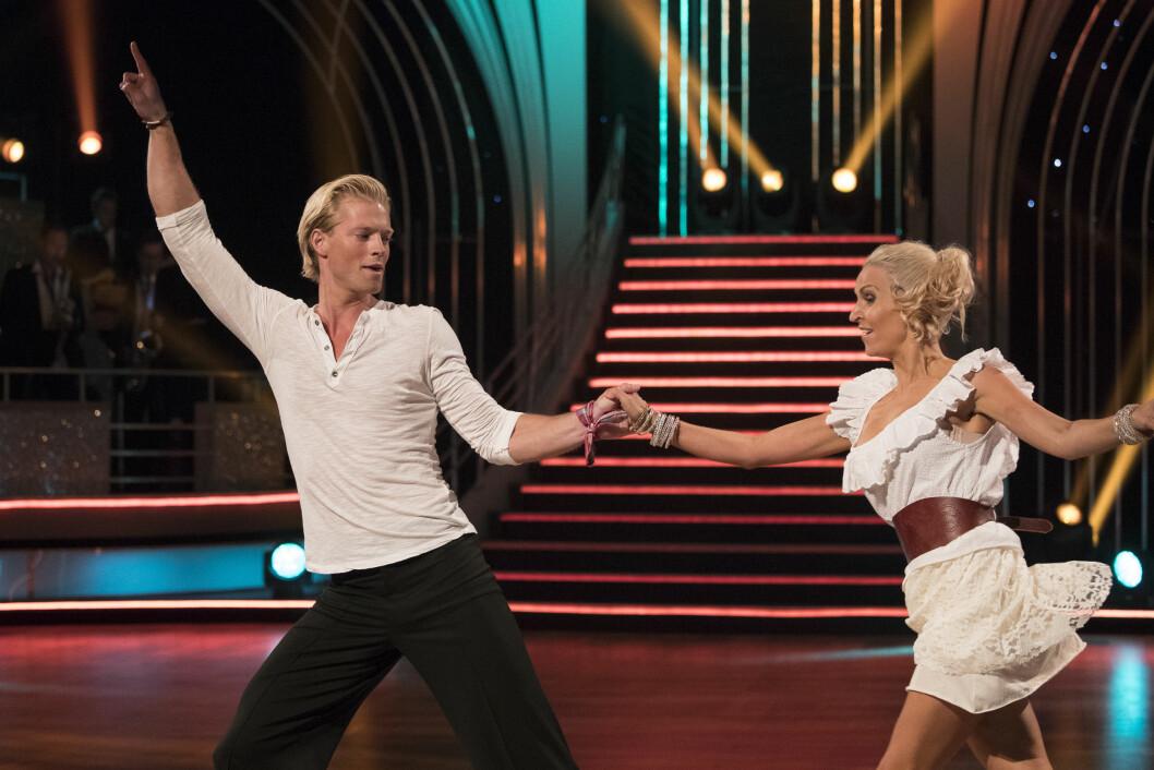 FORELØPIGE FAVORITTER: I «Skal vi danse»-premieren på TV 2 den 27. august, fikk Eilev Bjerkerud og Nadya Khamitskaya aller flest poeng.  Foto: Tor Lindseth/ Se og Hør