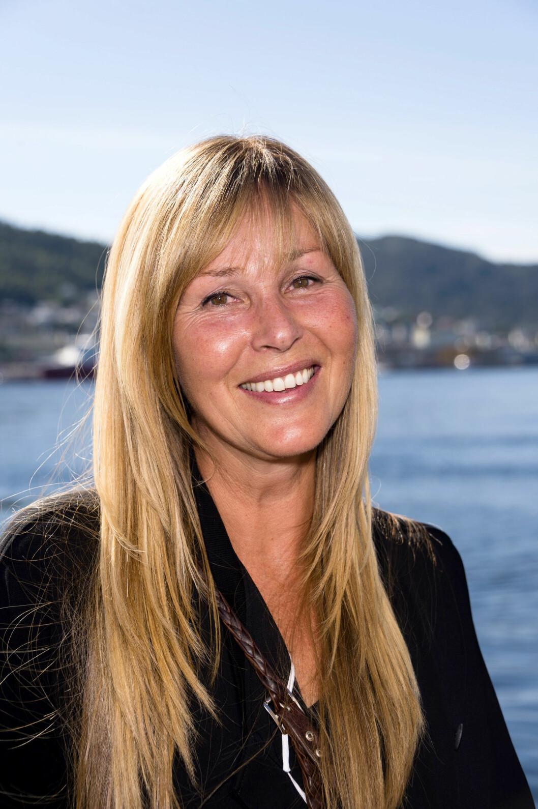 NATURLIG: Mange forbinder «God kveld Norge»-programlederen med glitter og glamour, men til daglig liker Dorthe en naturlig stil. Her på TV 2s Høstlansering i 2015. Foto: Geir Egil Skog/ Se og Hør