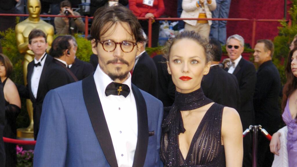 ÅRELANGT FORHOLD: Johnny Depp og Vanessa Paradis var sammen i hele 14 år, men de ble slutt i 2012 etter Depp forelsket seg i skuespiller Amber Heard.  Foto: Ap