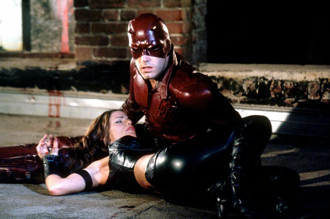 HETE FØLELSER OPPSTOD: Ben Afflcek spilte Matt Murdock og Jennifer Garner spilte Elektra Natchios i Daredevil, filmen de falt for hverandre i 2003. Foto: NTB Scanpix
