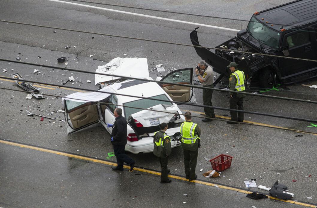 STYGG ULYKKE: Ulykken Bruce Jenner (nå Caitlyn Jenner) var involvert i, endte i et dødsfall og fem skadde.  Foto: Ap